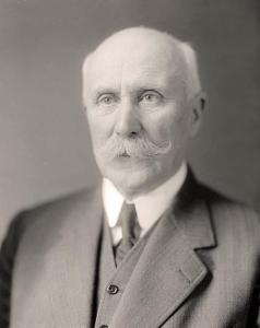 Philippe_Pétain_(en_civil,_autour_de_1930)